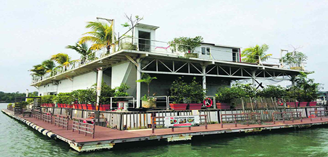 Smith-Marine-Floating-Kelong-Restaurant