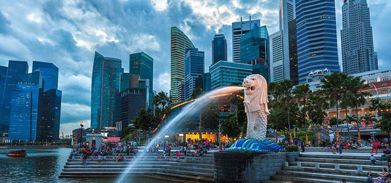 Merlion-park-in-singapore-best-places-to-visit-in-singapore-as-a-solo